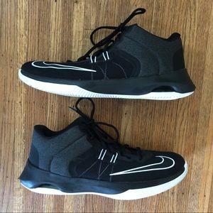 Nike Air Versitile II Black White Basketball 11.5
